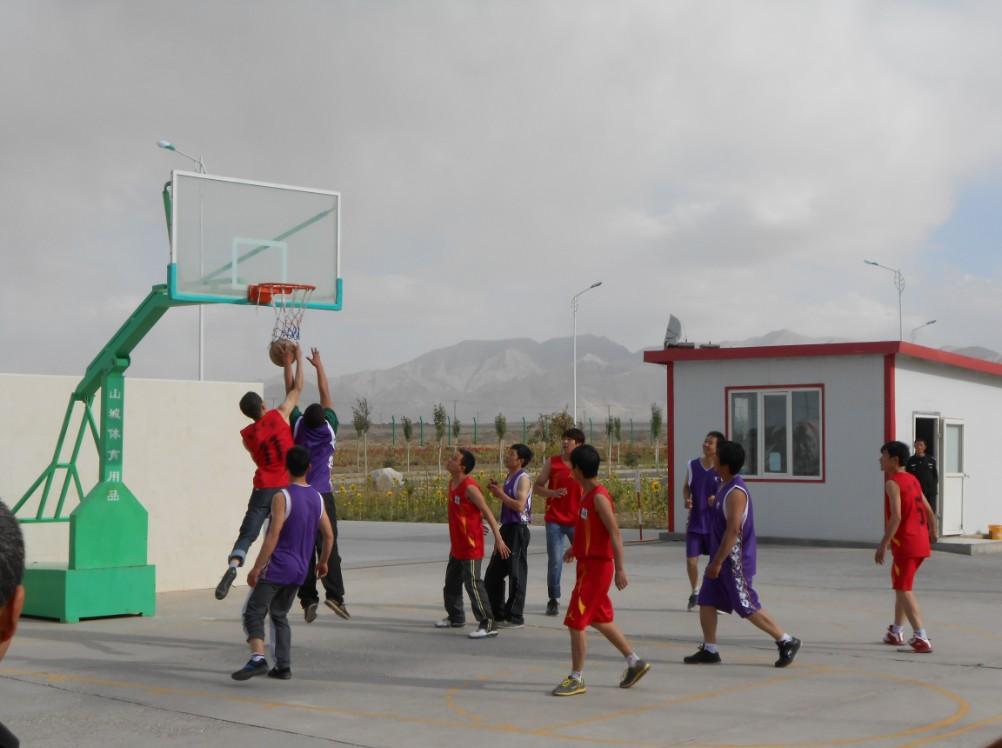 青海集团矿业公司球团厂首届篮球赛开幕